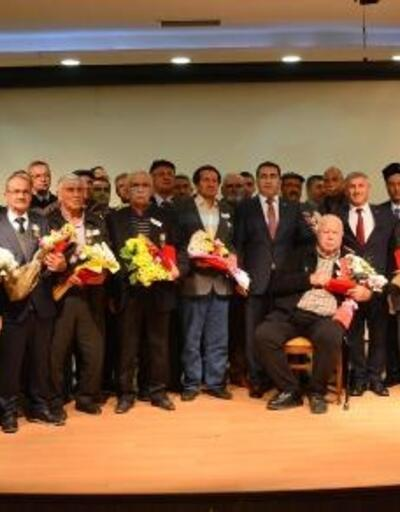 Torbalı'daki Kıbrıs gazilerine madalya ve beratları verildi