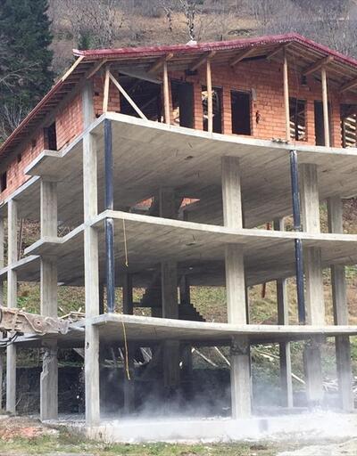 Uzungöl'de kaçak binaların yıkımı devam ediyor