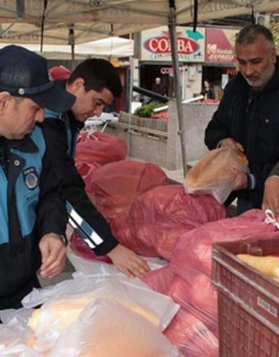 Gramajı düşük ekmekler vatandaşa ücretsiz dağıtıldı