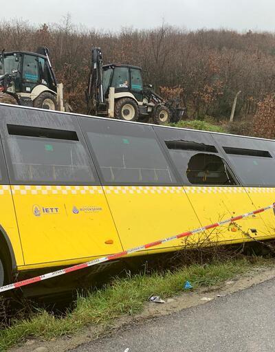 Son dakika... İstanbul'da İETT otobüsü devrildi: 1 kişi hayatını kaybetti