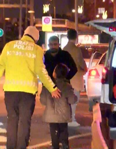 İki otomobile çarptı, çocuğunu bırakıp kaçtı