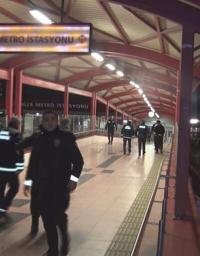 Metroda çıkan tartışmada 2 kişi bıçaklandı