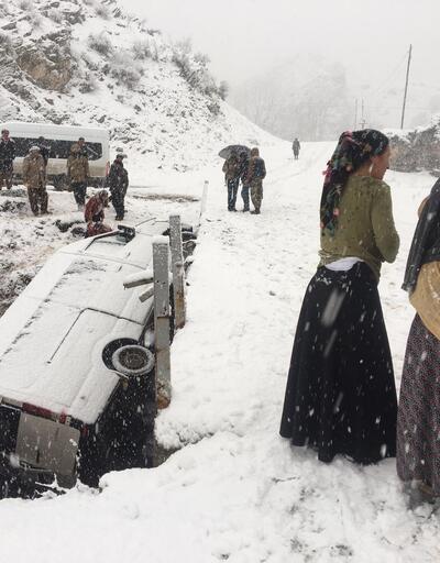 Beytüşşebap'ta yolcu minibüsü devrildi: 5 yaralı
