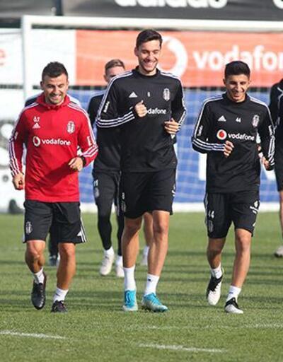 Beşiktaş'ın kamp kadrosunda iki isim yok