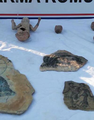 İzmir'de tarihi eser operasyonu: Yakalandı