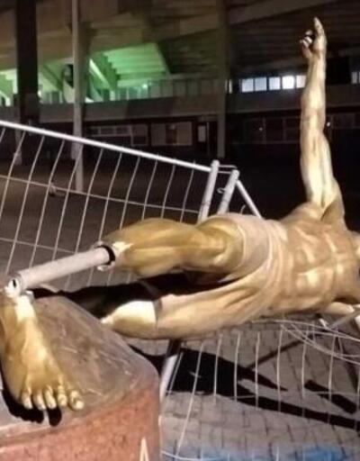 İsveç'te Zlatan Ibrahimovic'in heykelini yıktılar