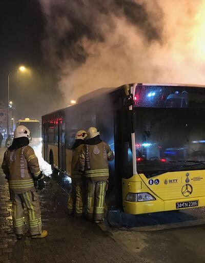 Kadıköy'de otobüs yangını