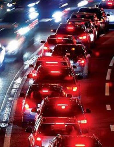İstanbul'da trafik yoğunluğu yüzde 80'lere ulaştı