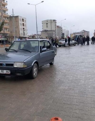 Kahta'da otomobiller çarpıştı: 2 yaralı