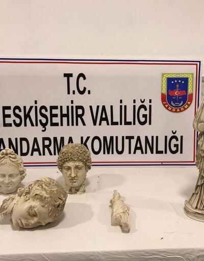 Roma dönemine ait 5 heykelle yakalandılar