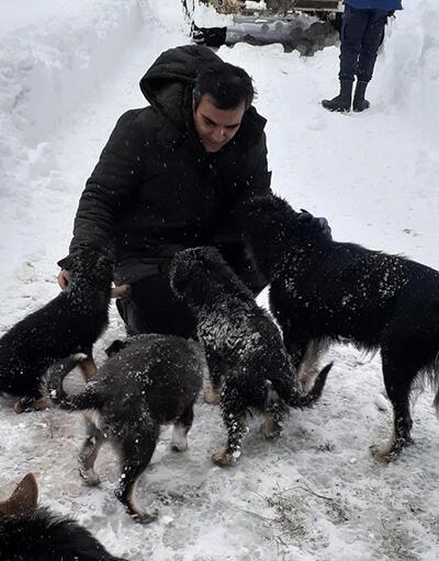 Köpekleriyle dağda mahsur kalan kişi kurtarıldı