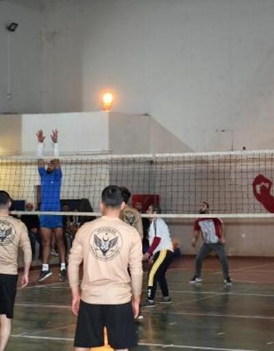 Çatak'ta kurumlararası Voleybol Turnuvası başladı
