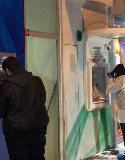 Sultanbeyli'de üç bankamatik kundaklandı