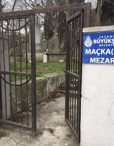 Şehrin ortasındaki tarihi Maçka Mezarlığının durumu içler acısı