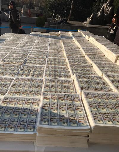 İstanbul'da sahte dolar operasyonu! Para alana zor sığdı...