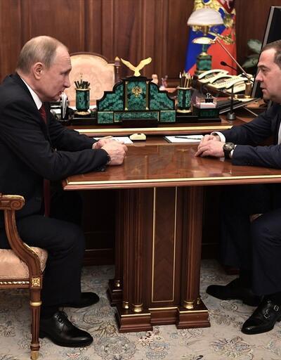 Son dakika... Başbakan Medvedev, Rusya'da hükümetin istifa ettiğini duyurdu