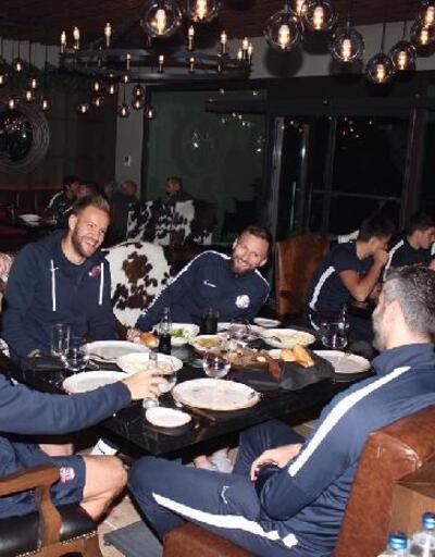 Antalyaspor'da yönetimden takıma güven mesajı