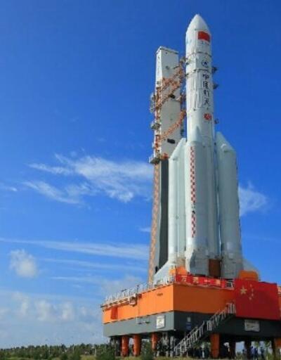 Çin'in gizemli roketi büyük merak uyandırıyor