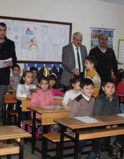 Çelikhan'da minik öğrencilerin karne heyecanı