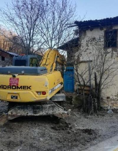 İnegöl'de metruk binalar yıkıldı