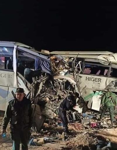 Cezayir'de feci kaza! Yolcu otobüsleri çarpıştı: 12 ölü, 46 yaralı