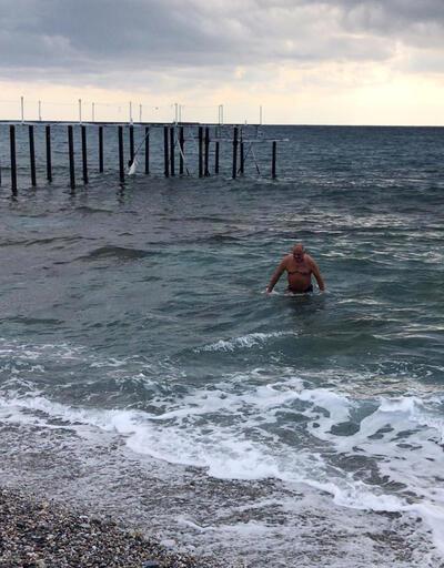 Alanya'da Ruslar denize girdi