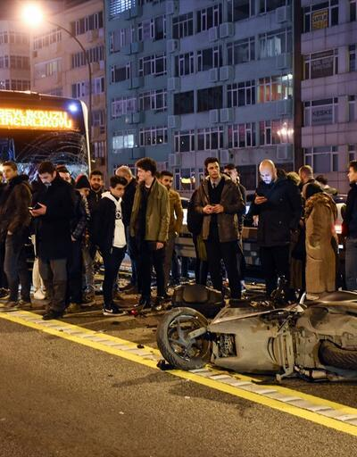 İstanbul'da metrobüsle motosiklet çarpıştı: 1 kişi öldü, 1 kişi yaralandı