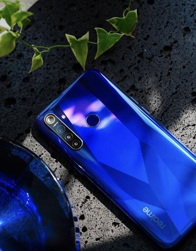 Realme 5 Pro ve Realme XT ile tanışın