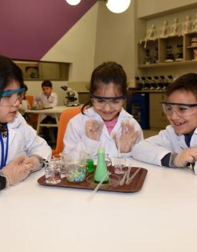 Öğrenciler, yarıyıl tatilini bilim kampında geçiriyor
