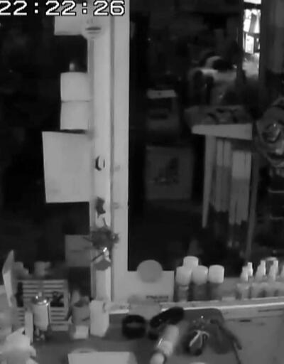 Manisa'daki 5,4'lük depremin en ürkütücü videosu!