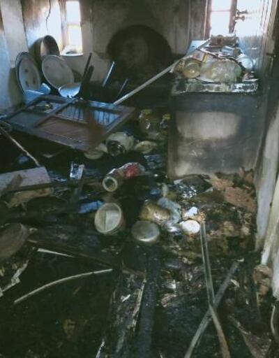 Alanya'da yangın çıkan ev kül oldu