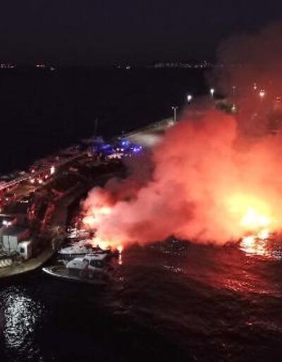 Kartal'da 6 tekne alev alev yandı