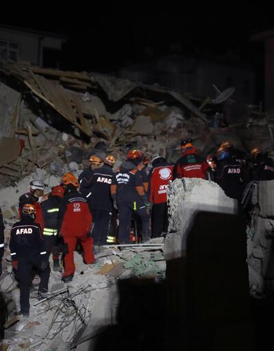 Elazığ'daki deprem: Dilek Apartmanı enkazından 1 kişinin daha cansız bedeni çıkarıldı