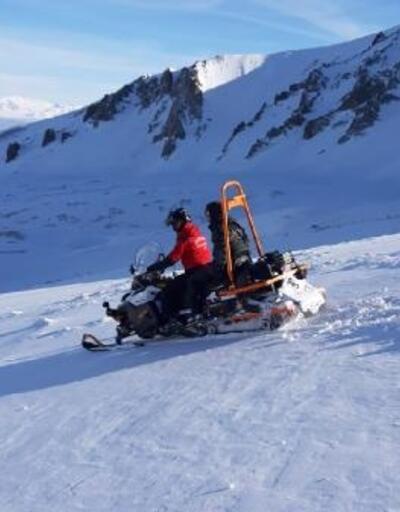 Erciyes Dağı'nda mahsur kalan 2 arkadaşı, JAK timi kurtardı