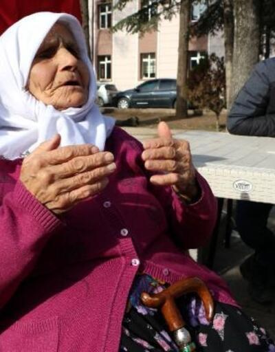 Hayriye nine,emekli aylığından depremzedelere 100 lira bağışladı
