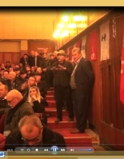 CHP'li Köse'den kongrede partiliye tepki: Dinleyip oturmuyorsa polis çağırıp çıkartın