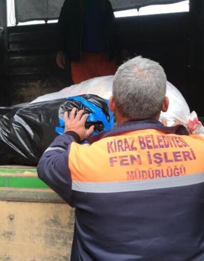 Kiraz Belediyesi'nin yardım TIR'ı Elazığ'a gönderildi