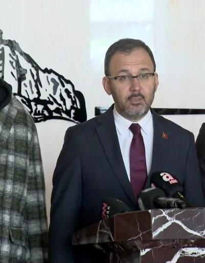 Spor Bakanı futbolcularla deprem bölgesinde
