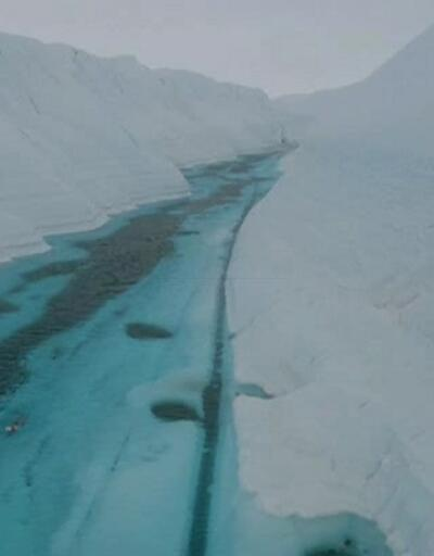 Antarktika'da kulaç attı
