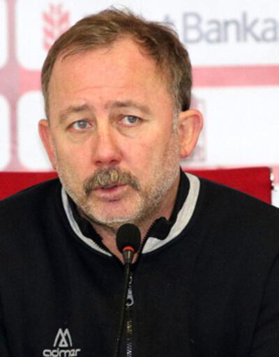 Beşiktaş'ta Sergen Yalçın sahaya iniyor