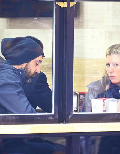 Necip Memilli ile eşi dönercide akşam yemeğinde