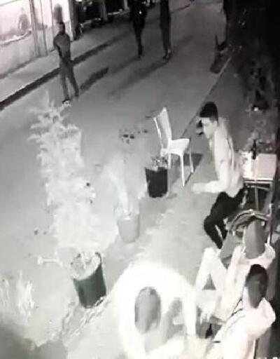 Sokak ortasında silahlı saldırı kamerada