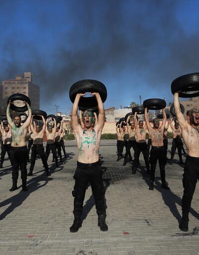 Filistinli gençler zorlu askeri eğitimden geçti