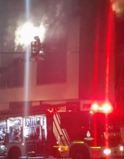 Esenyurt'ta 4 katlı bir tekstil fabrikasının deposunda yangın