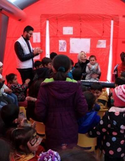 Depremzede çocuklara psikososyal destek çadırı