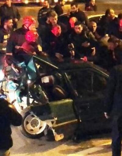 Otomobiller çarpıştı: 1 ölü, 3 yaralı
