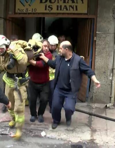 Bayrampaşa'da iş yeri yangını; İfaiyeci ağır yaralandı