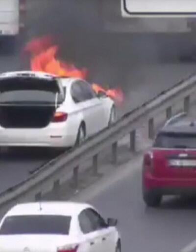 E-5'te araç yangını: Trafik durma noktasına geldi