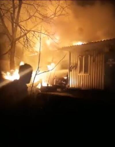 Bahçeye dökülen soba külleri evi yaktı