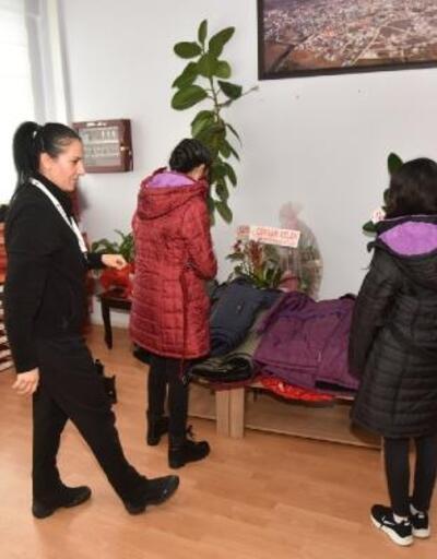 Kahramanmaraş'ta 240 öğrenciyi bot ve mont yardımı